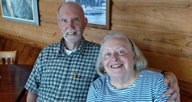 Photo of Darrell '58 and Joan Saunders Kennedy. Link to their story.